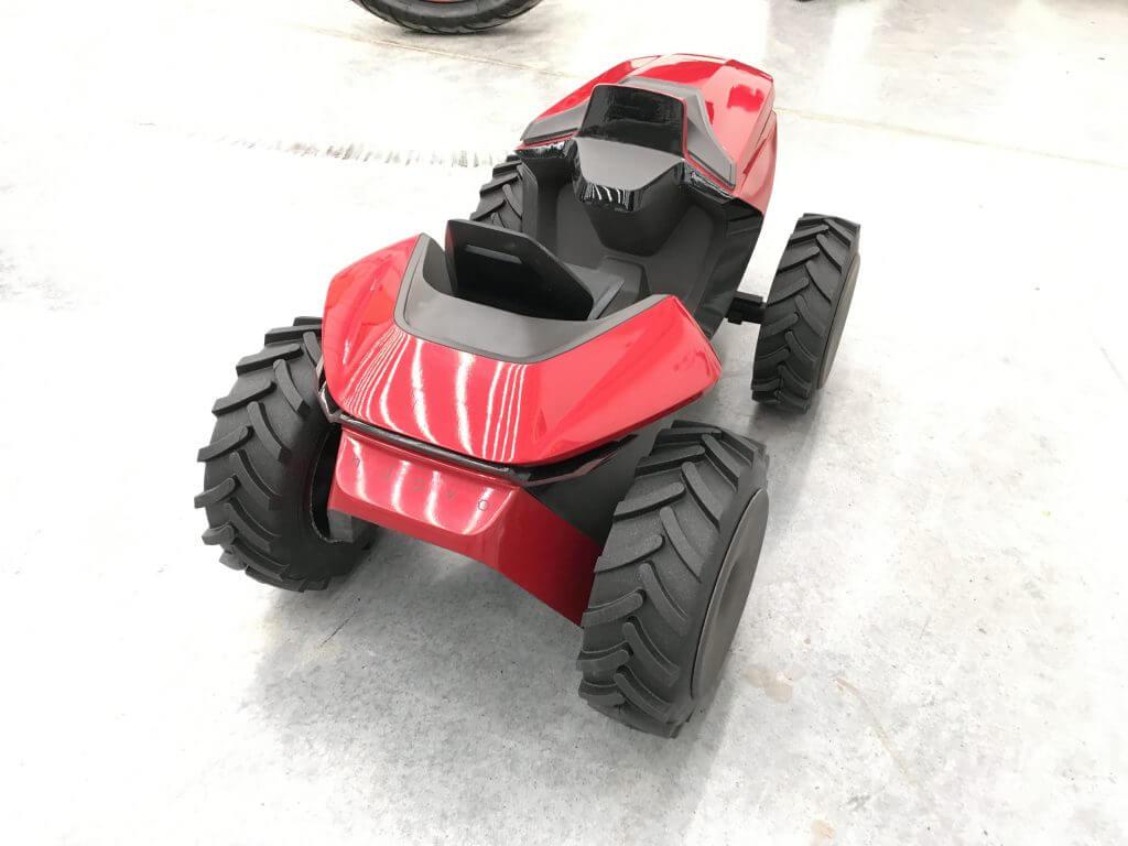 Malotraktor model zadní pohled